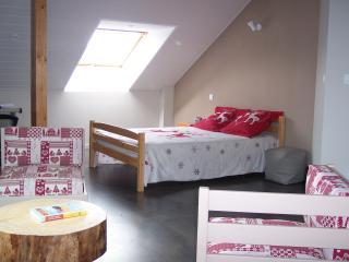 Chambre Semnoz avec lit double (possibilité 3e et 4e personne)