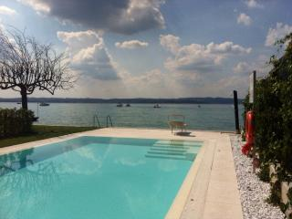 Residence Venezia 1 - Pool - Clima - amazing from share terrace, Sirmione