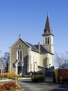 300 m : Vieugy : l'église
