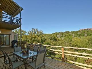 Perfect Summer Spot! Beautiful Zilker Home with great Downtown views & pool