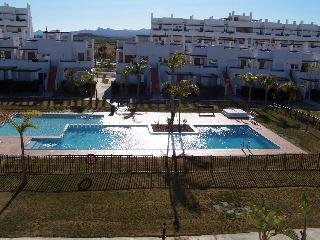 Attractive 1st floor apartment with roof terrace, Alhama de Murcia