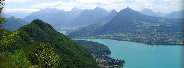 10 km : Le lac d'Annecy depuis le mont Veyrier