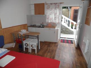 Peaceful Sunny Studio Apartment, Piran