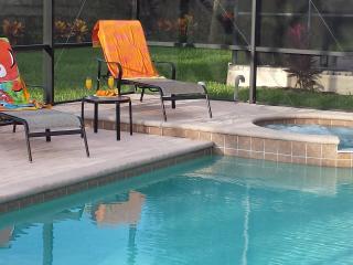 6 Bedroom 4 Bath- Windsor Hills -2 Miles fr Disney, Kissimmee