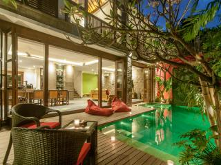 VillaM2Bali (B) Modern Baliness Luxury villa walking distance to Seminyak Beach