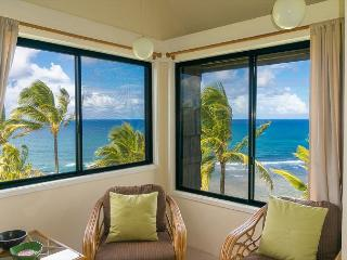 Sealodge G8: Oceanfront views from top floor 2br/2ba on north shore, Princeville