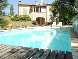 Villa en Drôme Provençale, piscine chauffée et SPA, Buis-les-Baronnies