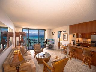 Oceanfront Crown Jewel - Royal Kahana 1012