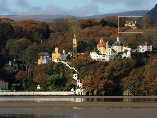 Hafod Cae Maen (highlighted) sits above Portmeirion Village