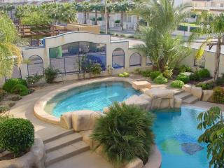 Two bedroom modern apartment near beach front and very close to all amenities.
