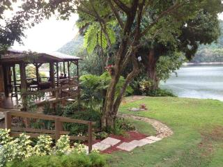 Lake House Retreat in the Mountains, Utuado