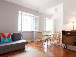 Cozy 3 Bedrooms Lisbon Apartment Up To 13 Guests, Lisboa