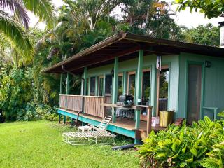 Tropical Paradise Ocean View Cottage Solar Powered