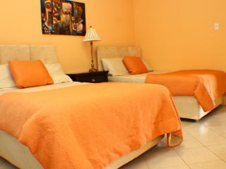 Orange Room, Port d'Espagne