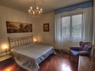 Bedroom Giulia in Tuscany Villa Bagnoro