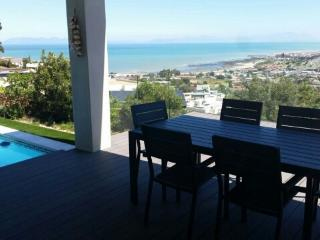Sea views from balcany , kitchen and family room