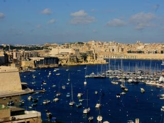 Lovely Apartment and rooms in Kalkara, Island of Malta