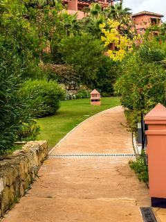 Garden paths without steps