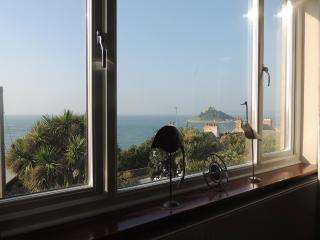 Morgawr, Marazion -  Seaviews, balcony & garden