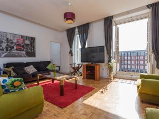 Flat in Mayor Square, Madrid