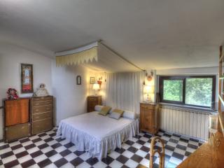 Bedroom Giuditta e Ginevra, Tuscany Villa Bagnoro
