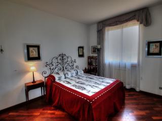 Bedroom Gio in Tuscany Villa Bagnoro