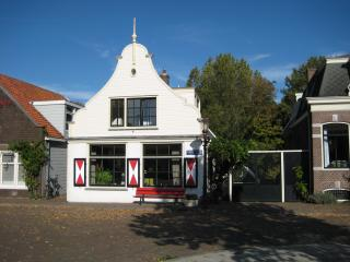 Captain's House Ground Floor Luxe  FREE Parking !!, Amsterdam