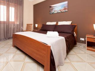 Il Terrazzo di Oleandri-Confortable Apartment in Bagheria-15 km from Palermo