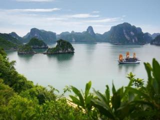 Luxury Imperial Cruise, Baie d'Halong