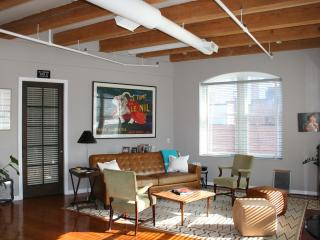 2 BR Luxury Condo, Downtown Boston
