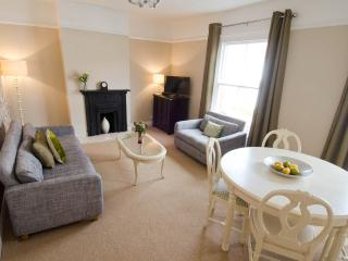 Whitehall 2 bed Apartment, Norwich holiday rental