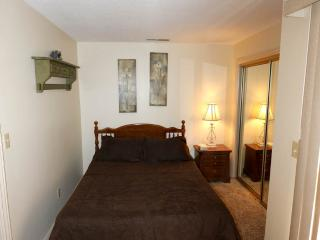 H2 - 2 Bed 1 Bath Deluxe, Saint George