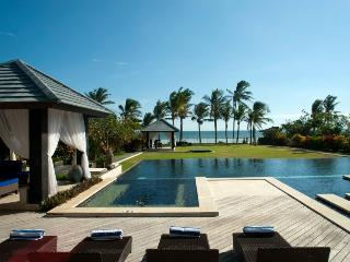 Luxury Beachfront Villa - Bali Holiday Escape  2BR, Tabanan