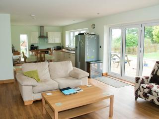 Open plan, can't fit all the sofas and TV on the picture! Come and visit to see more!