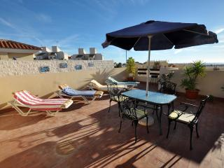 Villa Martin/Las Filipinas 2 bed Apart, Wifi, own sun terrace, Golf inc clubs