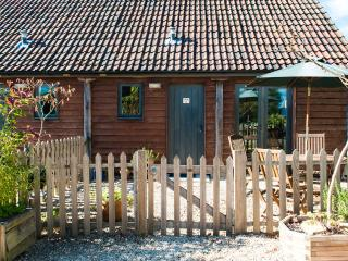 Chestnut Cottage-Barn Cottages