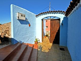 A PARADISE PLACE IN RURAL HOUSE (CASA RURAL LA CORU)