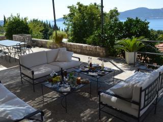 Villa Lavanda with a Private Pool and Sea View, Trsteno