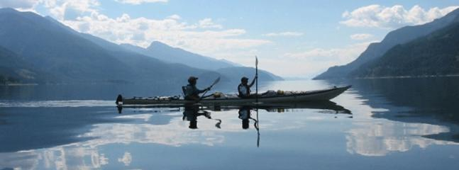 Kayaking on Kooteny Lake