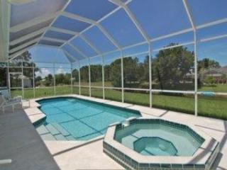 Lovely Halcyon Days Villa, Pool, Golf, Rotonda