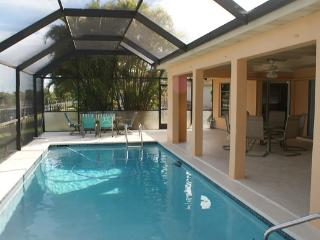 AQUARIUS  Cape Coral Waterfront Pool Vacation Home