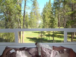 Tahoe Tranquility • Beautiful Meadow Forest View • Close to Marina • From $175/Night, South Lake Tahoe