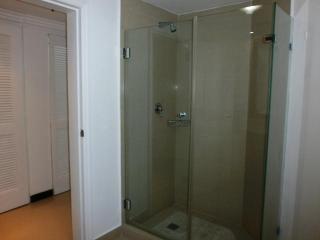 Shower in second bedroom.