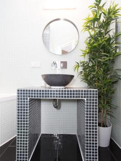 TOP MODERN BATHROOM