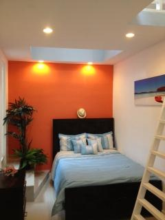 Bedroom 2 with Queen size bed Below and Queen size bed above in sleeping loft