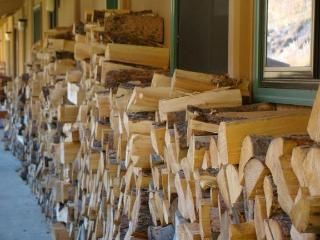 Lots of firewood for romantic evenings