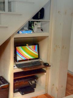 Computer, Printer, Wi-Fi, Paper Shredder