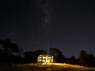 Little River PurePod - luxurious glass eco-cabin in stunning & remote location