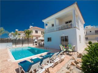 LARVIL05 - 4 Bedroom Villa Ayia Napa