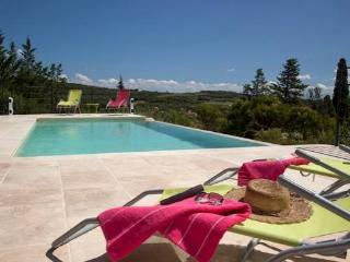 Villa with infinity pool and views South France, Faugeres